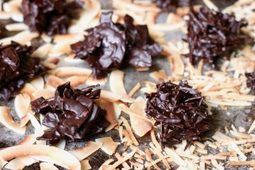 Paleo dark chocolate coconut haystack recipe