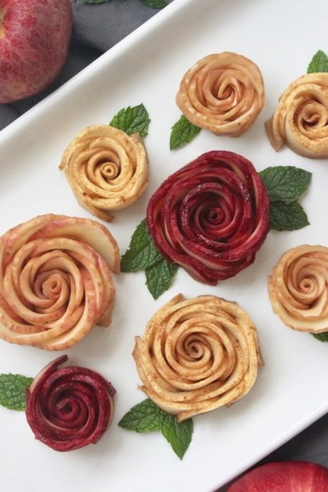easy to make honey apple roses for jewish new year